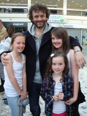 Welsh actor Michael Sheen with pupils of Catwg Primary School Neath Port Talbot